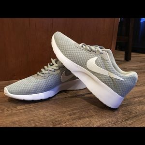 Ladies Nike DRS Shoes